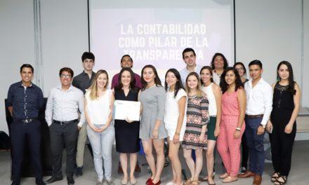 ¡Dialoga Martha Márquez con estudiantes sobre transparencia y rendición de cuentas!