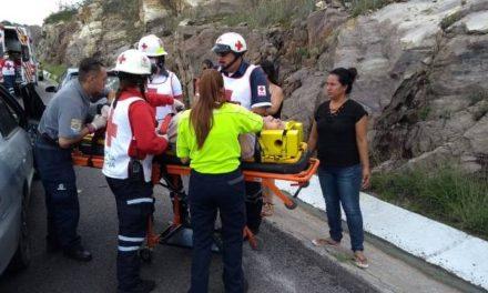 ¡Choque entre 2 automóviles en Calvillo, Aguascalientes, dejó 1 mujer lesionada!