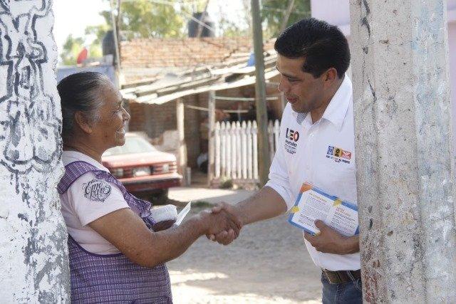 ¡Propone Leo Montañez ofrecer créditos accesibles a quienes trabajan en casa!