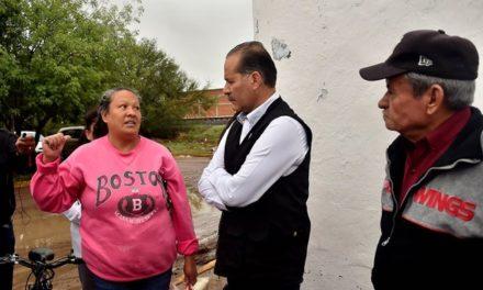 ¡Recorrió el gobernador zonas afectadas por las lluvias y ordena censo de daños a viviendas!
