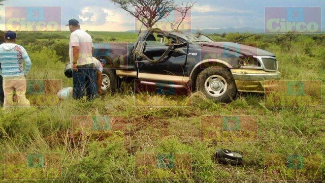 ¡Policía municipal de San Juan murió tras una volcadura en Lagos de Moreno!