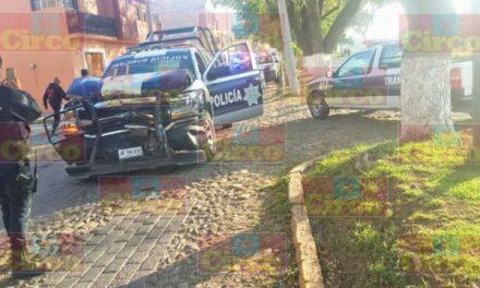 ¡Patrulla de la Policía Municipal de Lagos de Moreno chocó contra una camioneta!