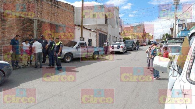¡Camioneta sin chofer atropelló a una mujer y 2 menores en Lagos de Moreno!