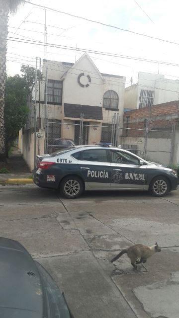 ¡Policías municipales rescataron a un hombre que se colgó en su casa en Aguascalientes!