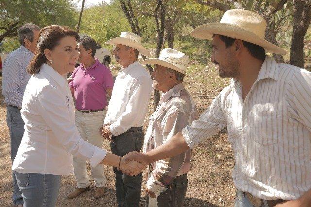 ¡Establece Lorena Martínez nuevos compromisos con agro productores de Calvillo y Rincón de Romos!