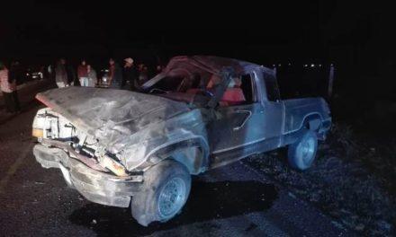 ¡1 muerto y 3 lesionados tras accidente de una camioneta en Aguascalientes!