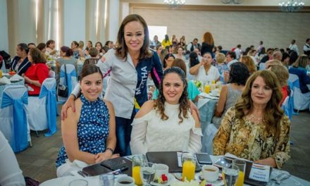 ¡Mujeres emprendedoras reafirman su apoyo a Martha González!