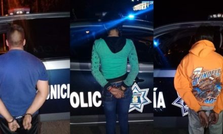 """¡Detuvieron a policía estatal y al hijo del narcotraficante """"El Gerber"""" con 2 armas de fuego y dinero en efectivo en Aguascalientes!"""