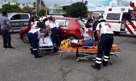 ¡Choque entre 2 camionetas dejó 6 lesionados en Aguascalientes!