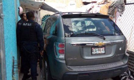 ¡Sujeto golpeó a su pareja y a su suegra y luego baleó una camioneta en Aguascalientes!