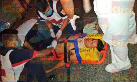¡Joven motociclista lesionado tras estrellarse contra otro vehículo en Lagos de Moreno!