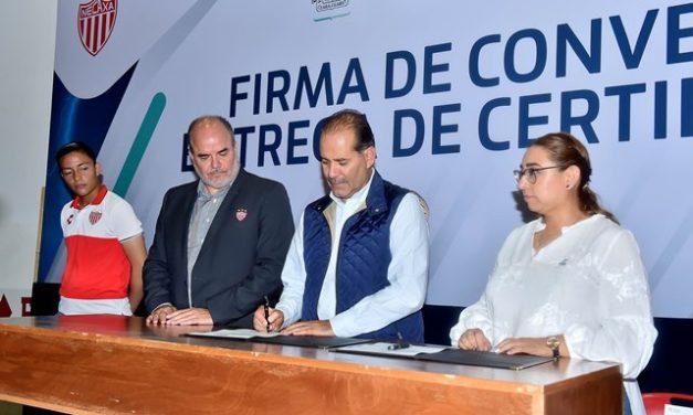 ¡Firman convenio Gobierno del Estado y Club Necaxa para combatir el rezago educativo!