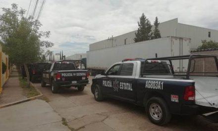 ¡Policías estatales de Aguascalientes aseguraron cargamento de contrabando en un tráiler en la Puerta de Acceso Sur!