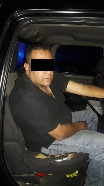 ¡Tras persecución en San Francisco de los Romo, Aguascalientes, fue detenido distribuidor de droga!