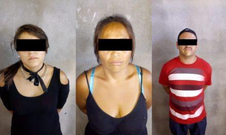 """¡Detuvieron a 2 mujeres y 1 sujeto con 60 dosis de """"crystal"""" en Aguascalientes!"""