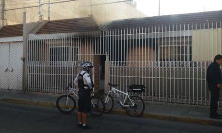 ¡Se incendió una casa-habitación en la Zona Centro de Aguascalientes!