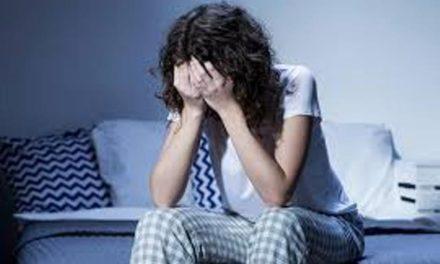 ¡En caso de insomnio, existen alternativas para tratarlo: CHMH!