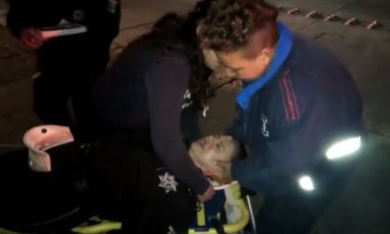 ¡Camioneta chocó contra una patrulla de la Policía Municipal de Aguascalientes y una oficial resultó lesionada!