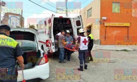 ¡Aparatoso accidente en Lagos de Moreno dejó saldo de dos lesionados!