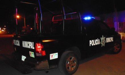 ¡Riña en Aguascalientes dejó a un comandante de la Policía Municipal golpeado y a un civil baleado por éste!
