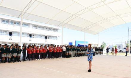 ¡Impulsa Tere Jiménez obras en beneficio de la comunidad educativa!