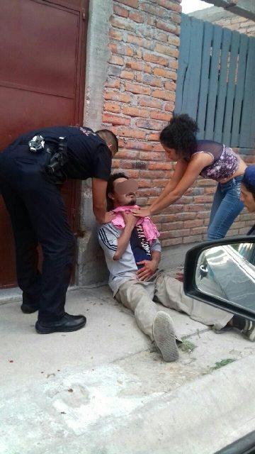 ¡Desesperado por no tomar alcohol, un sujeto se hirió en el cuello y en el tórax con un cuchillo en Aguascalientes!