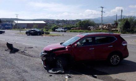 ¡Choque entre 2 vehículos y posterior atropello de una peatón dejó 3 lesionados en Aguascalientes!