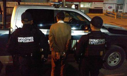 ¡Policías municipales de Aguascalientes detuvieron a sujeto que realizaba detonaciones con un arma de fuego corta!