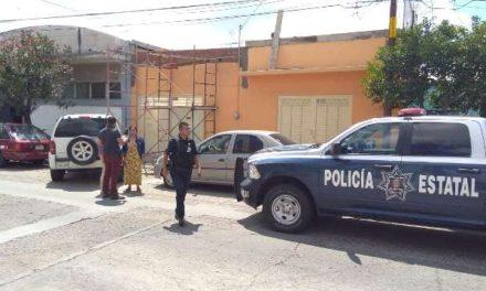 ¡2 pistoleros asaltaron a una cuentahabiente en Aguascalientes y le robaron $140 mil!