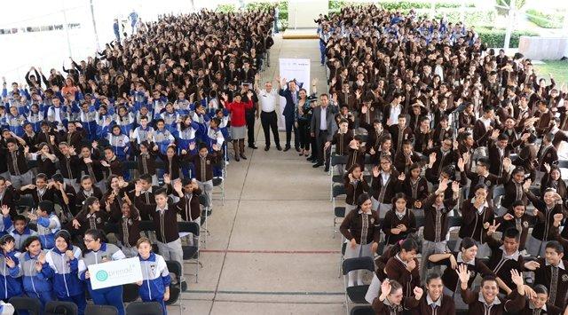 ¡IEA y Policía Federal concientizan a alumnos y maestros de secundaria acerca del uso de internet!