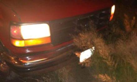 ¡Grave hombre que en su camioneta chocó contra un auto en Aguascalientes!
