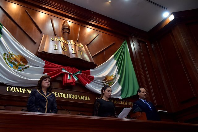 ¡Asiste el gobernador a la instalación de la LXIV Legislatura en el Congreso de Aguascalientes!