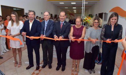¡Inaugura el gobernador el Centro Universitario de Estudios de la Salud!