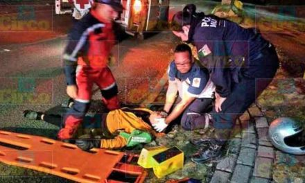 ¡Hombre alcoholizado resultó lesionado tras caer de su motocicleta en Lagos de Moreno!