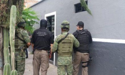"""¡Agentes federales """"reventaron"""" otra narco-tiendita en Aguascalientes y detuvieron a 3 narcomenudistas!"""