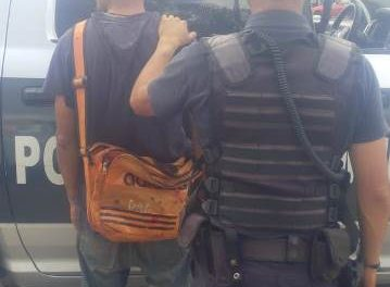 ¡Detuvieron a un sujeto que asaltó a un repartidor de refrescos armado con un periódico en Aguascalientes!