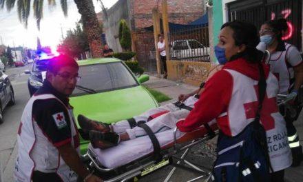 ¡Grave joven que fue apuñalado tras una riña en Aguascalientes por el pago de un cuchillo!
