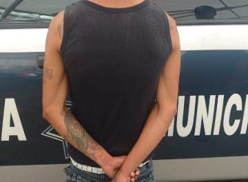 ¡Detuvieron a sujeto que golpeó a su madre en Aguascalientes y tenía una orden de aprehensión vigente por amenazas!