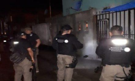 """¡Agentes federales catearon una """"narco-tiendita"""" en Aguascalientes y detuvieron a 3 sujetos y 3 mujeres!"""