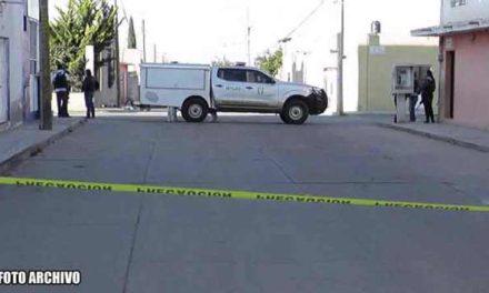 ¡Sicarios en motocicleta persiguieron y ejecutaron a balazos a un hombre en el Centro de Cañitas de Felipe Pescador!