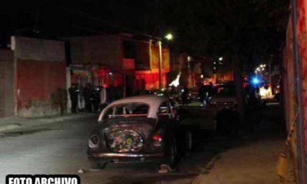 ¡Espectacular enfrentamiento en Guadalupe: sujetos balearon una casa y los moradores les lanzaron una granada!