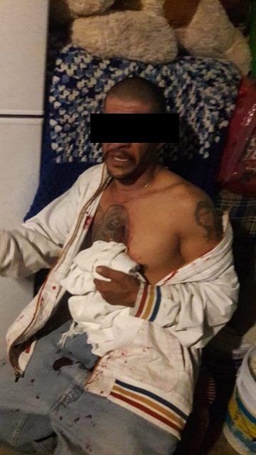 """¡""""El Marro"""" quiso probar un arma de fuego hechiza y se dio un balazo en el pecho en su casa en Aguascalientes!"""