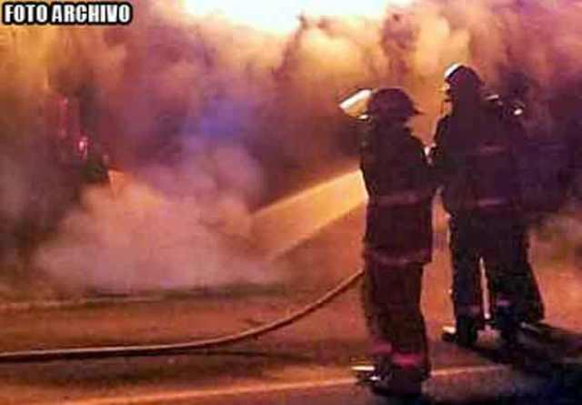 ¡Incendiaron un automóvil con restos humanos en Ojocaliente!