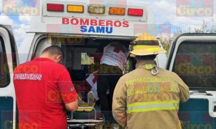 ¡Volcadura de camioneta en San Juan de los Lagos dejó lesionados a una mujer embarazada y dos menores de edad!