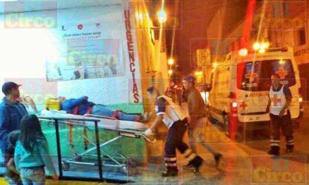 ¡Hombre grave tras derrapar y caer de su motocicleta en Lagos de Moreno!