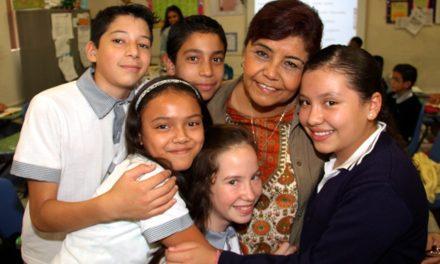 ¡Con una inversión de más de 8 millones de pesos realizan pago de estímulos a maestros destacados!