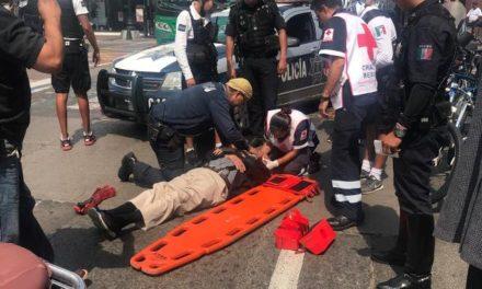 ¡Ancianito lesionado tras ser atropellado por una patrulla de la Policía Municipal en Aguascalientes!