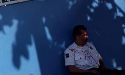 ¡Sujeto lesionó a un policía municipal de Aguascalientes tras golpearlo en la cabeza con unas pinzas!