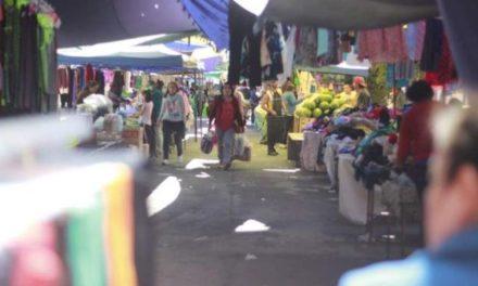 ¡Cumplimentan en Pabellón de Arteaga apercibimiento de Protección Civil con la reubicación del tianguis!