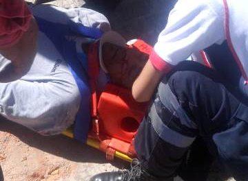 ¡Grave hombre que fue golpeado por una estructura y cayó de 3 metros de altura en Aguascalientes!